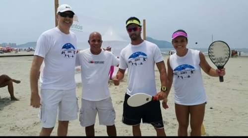 Da direita pra esquerda , Juliana Vieira , Evandro Franco ,Luiz Fastball, e Alcídio Mello ( Cidão) secretário de esportes de Santos ,parceria atletas,empresa ,e secretaria de esportes.